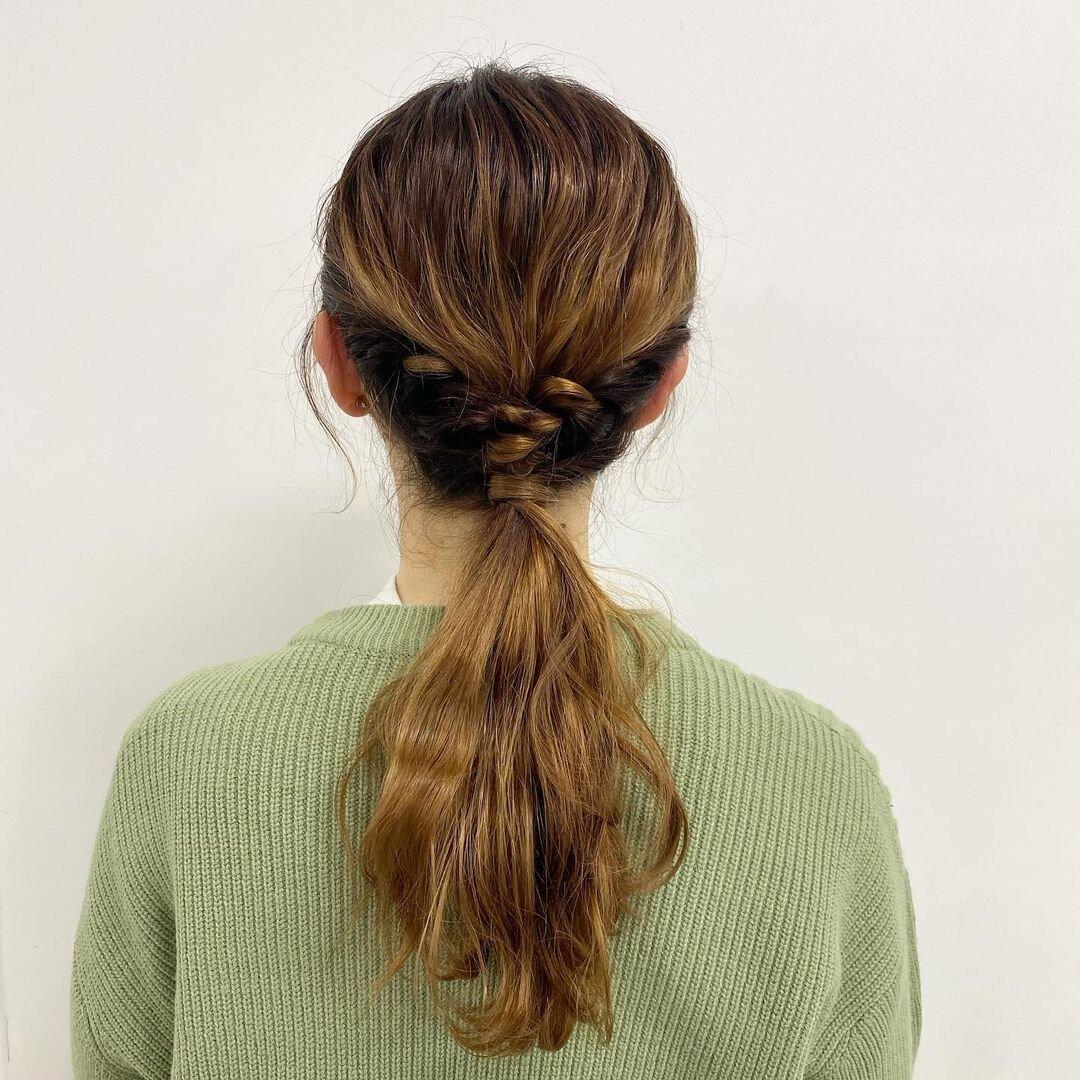 職場で髪型がかぶる人必見!簡単ヘアアレンジでその場を切り抜けよう