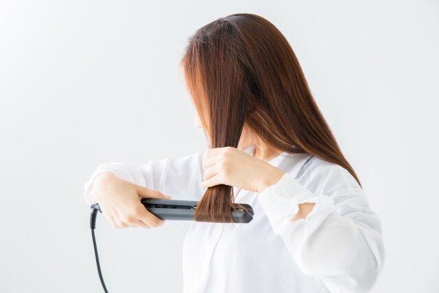 髪を痛めるヘアアイロンの使い方とは?注意点まとめ