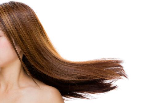 髪を保湿するには何が必要?パサつきが気になる人が忘れている4つの事実
