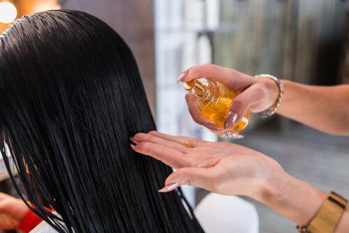 ヘアオイルは高いものを選ぶべき?価格の違いより髪質や用途で選ぶべし!