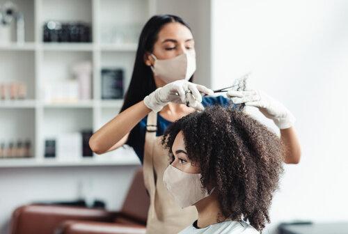 コロナの時代はスキンケアより髪!美容室利用者が以前より変わらない理由