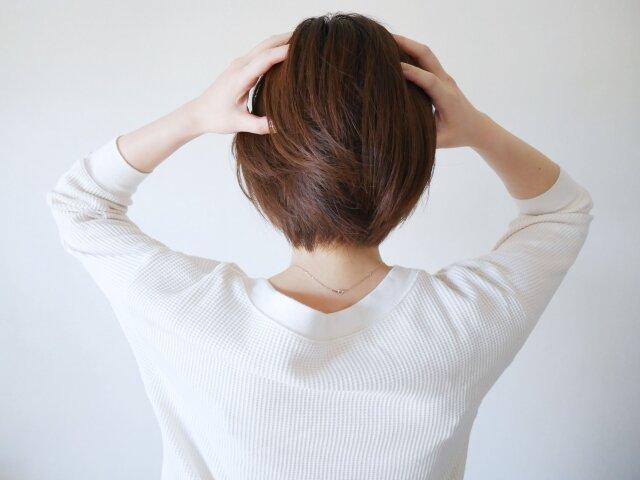 美髪への道は頭皮環境の改善から!フケの原因と対策
