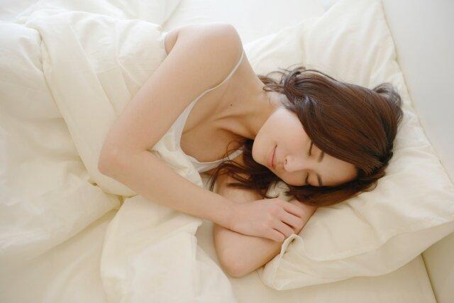 寝ている最中にできるヘアケア♡毎日心がけて美髪を目指そう!