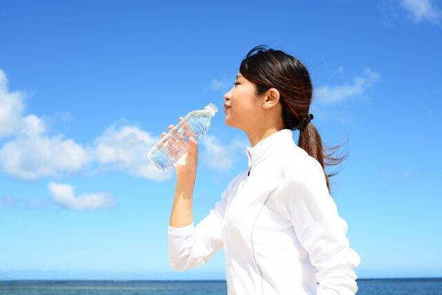 適量の水は髪にも良い効果アリ!水分補給を意識して美髪を目指そう♡