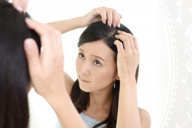 髪の生え際にニキビができるのはなぜ?理由と対処法まとめ