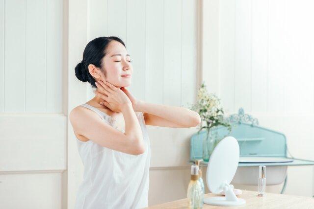 デスクワークの方必見!頭皮環境を整える肩まわしのストレッチ方法
