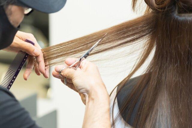 髪の量が多い女性必見!ヘアアレンジがしやすくなるポイントとは?