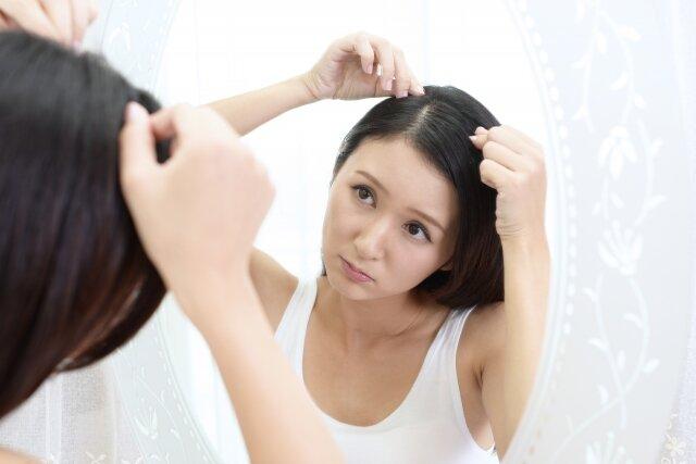 水を飲まないと薄毛になる?水分不足と頭皮の関係とは?