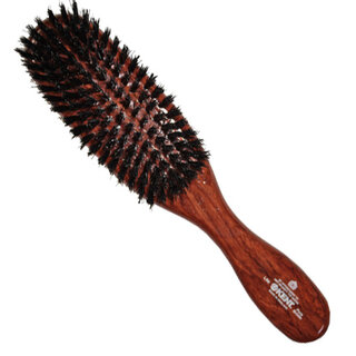 短めの細いブリッスルのヘアブラシ。柔かい髪質の方から普...