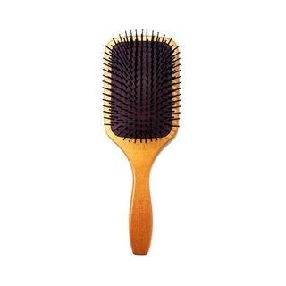 ブラシ部分が頭皮に刺激を与えマッサージ効果を高めるヘア...
