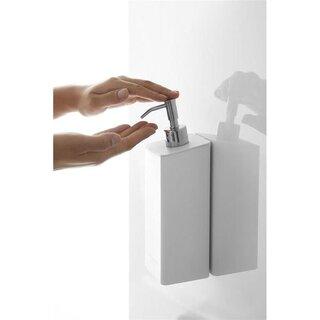 マグネットで浴室壁面に簡単取付