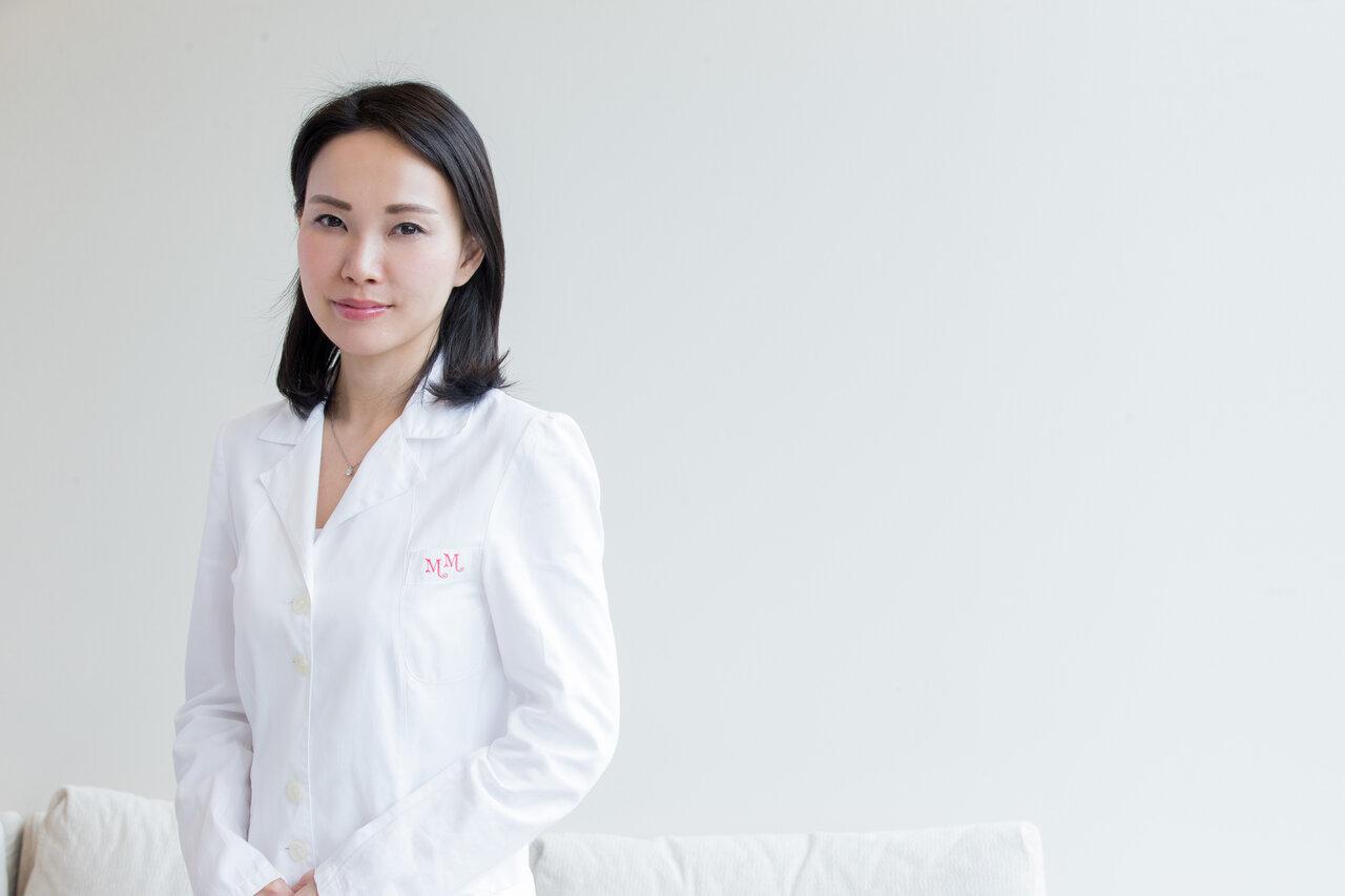 美容皮膚科医の肌はなぜきれい? 三宅真紀先生の美肌の秘訣をご紹介