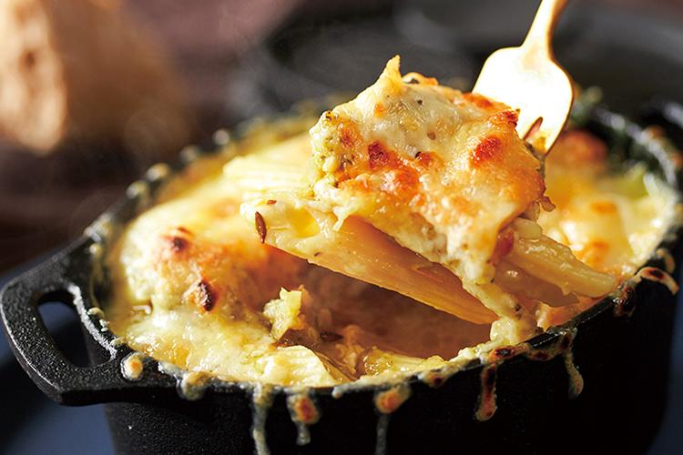 コクがあってまろやか!野菜の旨みがカレーとチーズに混ざり合う、グラタン風カレーパスタ