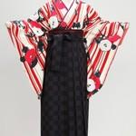 卒業式、レトロ柄の振袖&袴でオシャレに着飾ろう☆