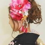 ウェーブヘアで現代風可愛い振袖姿の、成人式髪型画像集♡