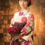 卒業式は可愛い袴スタイルで♪重ね衿を付けるポイントとは?