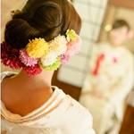 【振り袖にピッタリ】とっても可愛い生花の髪飾りが大流行!
