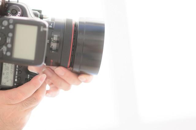 タテイチ(縦位置)構図で撮影する フリー写真素材・無料ダウンロード-ぱくたそ (2391)