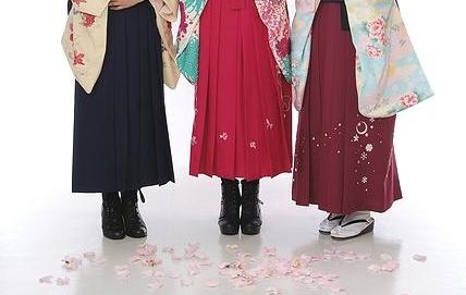 【卒業式】袴を着るとき貴女はブーツ派?草履派?