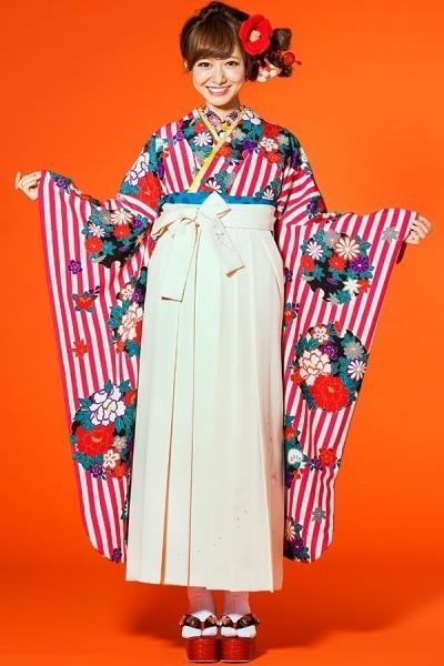 レトロ袴(No: 2550) / TAKAZEN 梅田店 - 卒業式と成人式の袴レンタル日本最大級の情報サイト (7825)