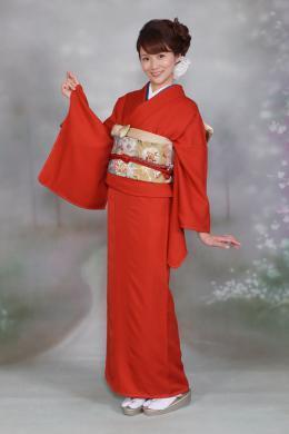 着物を借りるなら 辻が花レンタル -岡山の振袖・袴・留袖・訪問着等レンタルの辻が花の通販サイト- / 色無地 赤 (9274)