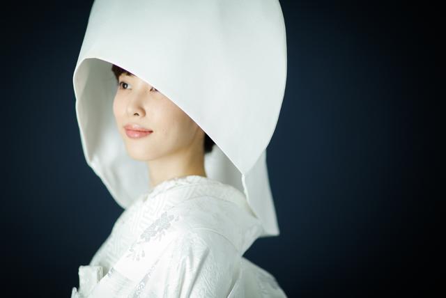 古典柄/きれい 白無垢 花桜に鶴 白 白無垢・色打掛レンタルなら結婚式着物専門の【THE KIMONO SHOP−ザ・キモノショップ】 (9662)