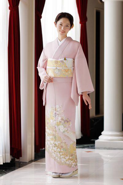若いうちから着られそうなピンクの色留袖♡ 結婚式列席者用の着物のアイデアまとめ☆ | 和装 | Pinterest (10361)