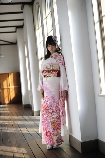 さまざまな染めと刺繍の美が優しい印象を放つ桜尽し振袖(No: 2479) / むらかね | My振袖 (11111)