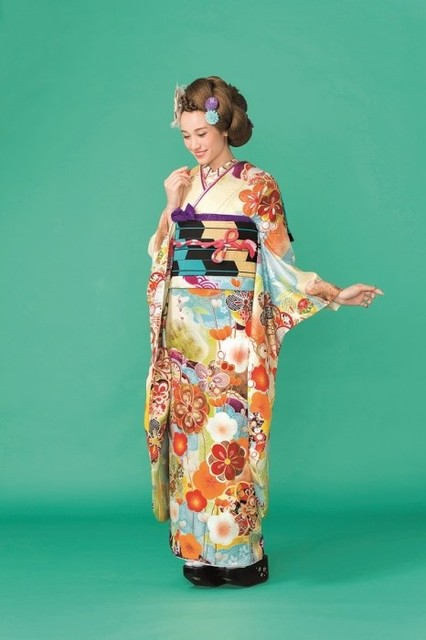 2017-2018 Furisode collection A-10(No: 18022) / 四季のきもの 丸見屋 | My振袖 (11397)