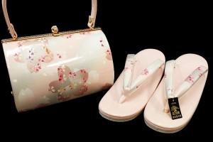 【楽天市場】金鷲謹製ミルキーピンク色地桜模様正絹バッグ草履セット k859:着物ちどり 本店 (12095)