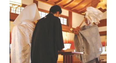 神前式 神前式の衣装や挙式費用 結婚SANKAナビ  (12427)