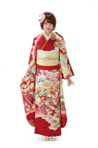 大きめの髪飾りは古典柄の着物に似合う!