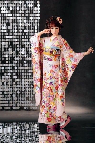 ピンク八重桜(No: 5987) / ニーノ・ニーナウェディング | My振袖 (12885)