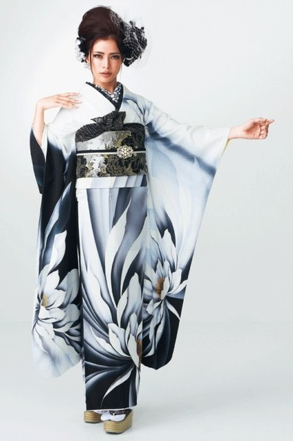 尾崎紗代子振袖(No: 26423) / TAKAZEN大阪梅田店/心斎橋店/神戸店/京都店/奈良店   My振袖 (15046)