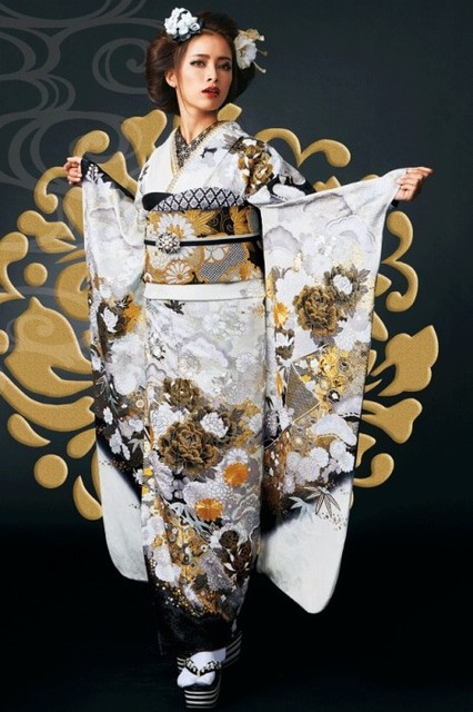 尾崎紗代子振袖(No: 26495) / TAKAZEN大阪梅田店/心斎橋店/神戸店/京都店/奈良店   My振袖 (15048)