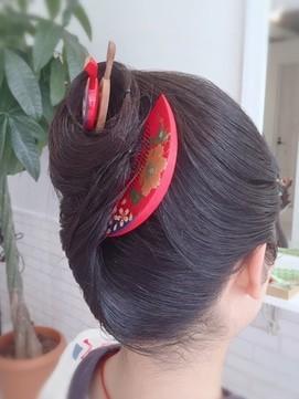 【2017年冬】夜会巻き/grandir hair designのヘアスタイル|BIGLOBEヘアスタイル (16427)