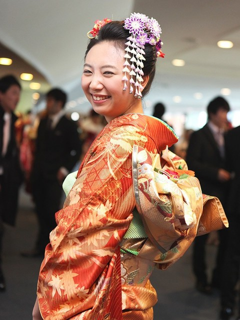 しだれの髪飾りが美しい日本髪スタイル