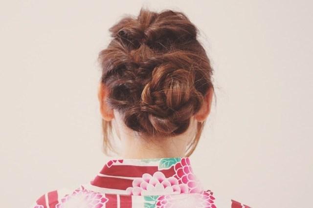 花火デートのために浴衣を着て髪をくるりんぱした女の子のフリー写真画像|GIRLY DROP (18977)