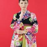 卒業式で袴に合わせる髪形、シャープな黒髪スタイル10選