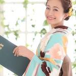 卒業式で着る『袴』♡着付けの相場はおいくらかしら?