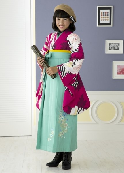 ショッキングピンク矢がすり牡丹(No: 2432) / セゾンふりそで館 - 卒業式と成人式の袴レンタル日本最大級の情報サイト (21955)