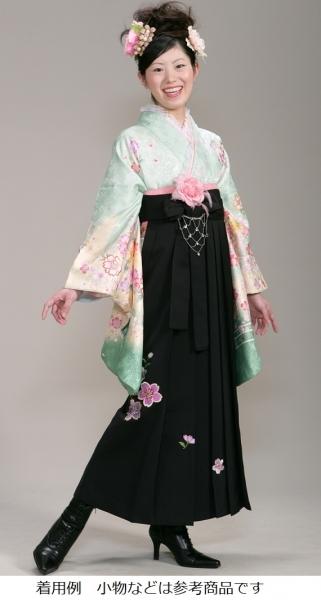 モデル着用は<2尺袖166番+袴015番>(No: 1127) / レンタル・シータ - 卒業式と成人式の袴レンタル日本最大級の情報サイト (22158)