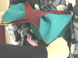 袴の着付けは意外と簡単です (23027)