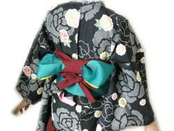 袴の着付けは意外と簡単です (23028)