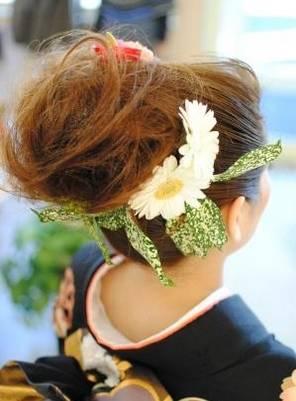 【ライフ】成人式は手作り髪飾りで個性を出して周りと差をつけよう!成人式につけていきたい髪飾りはどれ?   とらたろうのエンタメ情報 (24084)