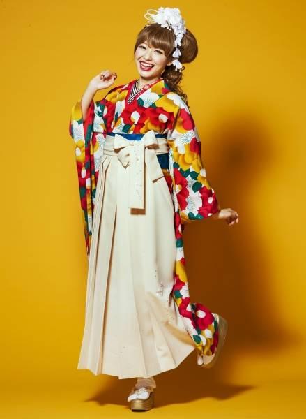 レトロ袴(No: 2544) / TAKAZEN 梅田店 - 卒業式と成人式の袴レンタル日本最大級の情報サイト (24305)