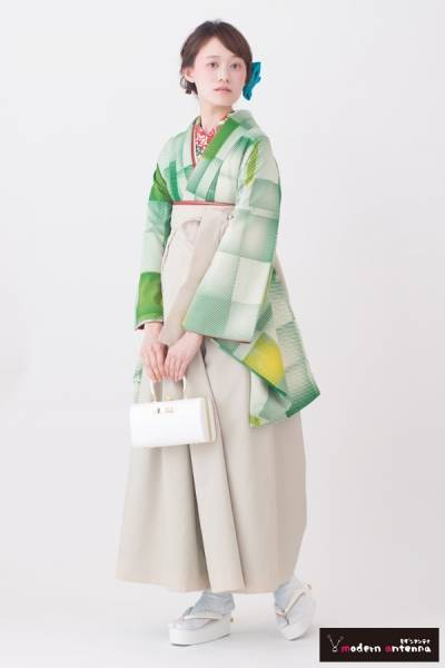 レトロ袴(No: 2611) / TAKAZEN 神戸店 - 卒業式と成人式の袴レンタル日本最大級の情報サイト (24388)