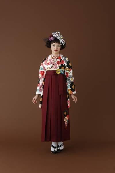 新作袴(No: 1043) / 貸衣装Ami(アミイ) - 卒業式と成人式の袴レンタル日本最大級の情報サイト (24397)