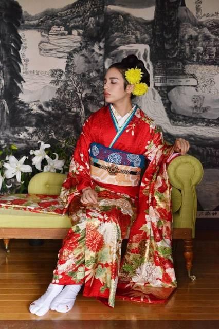 No.750  mi*more 紅光琳菊牡丹 (No.18066) / ブライダルコア伊谷 | My振袖 (25710)