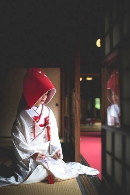 「真っ赤」の【綿帽子】